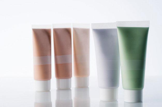 Potes de cosméticos