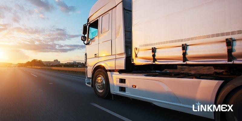 Transporte de carga FTL ou LTL: como escolher